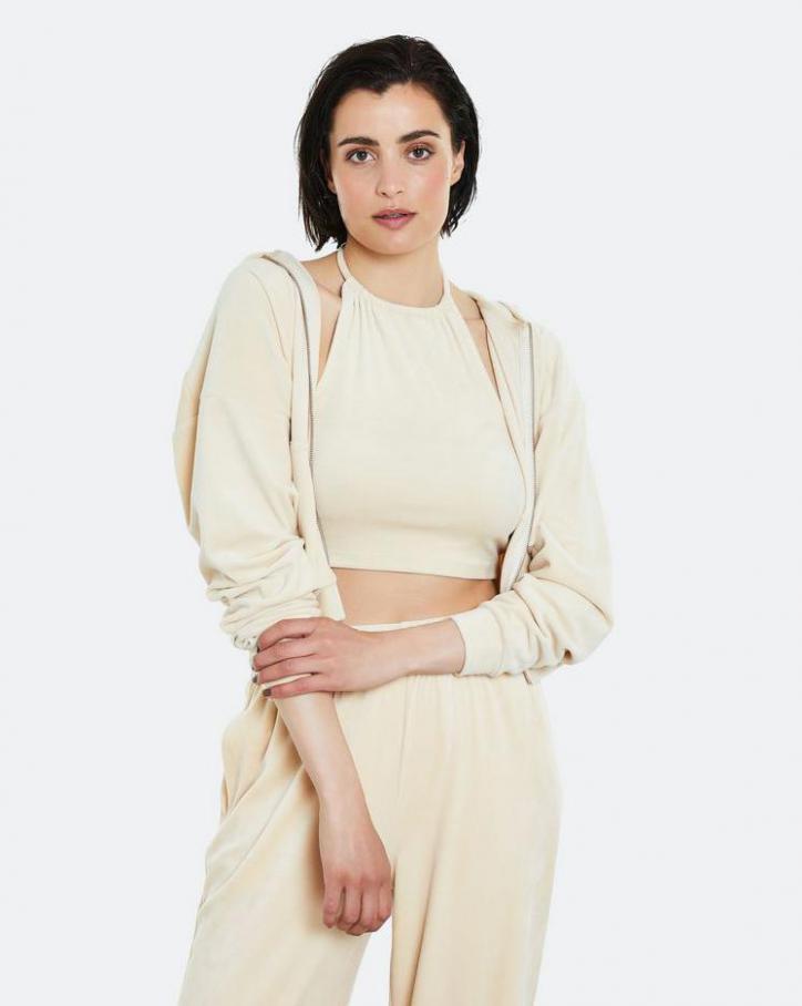 Loungewear Kollection. Page 41