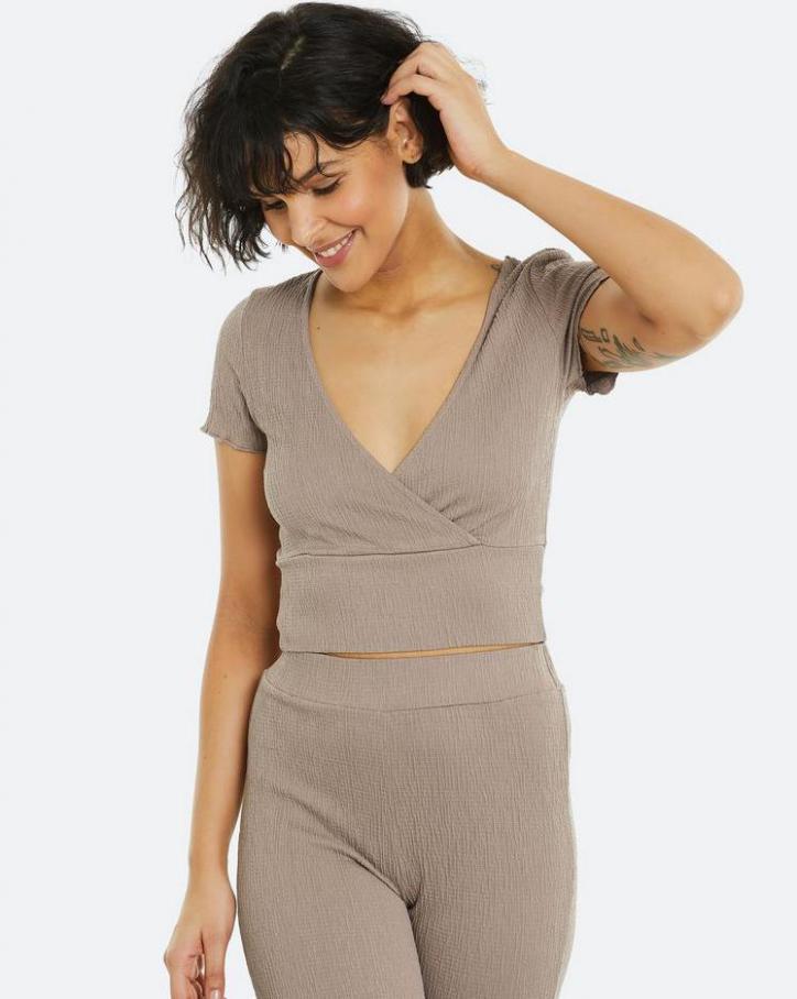 Loungewear Kollection. Page 26