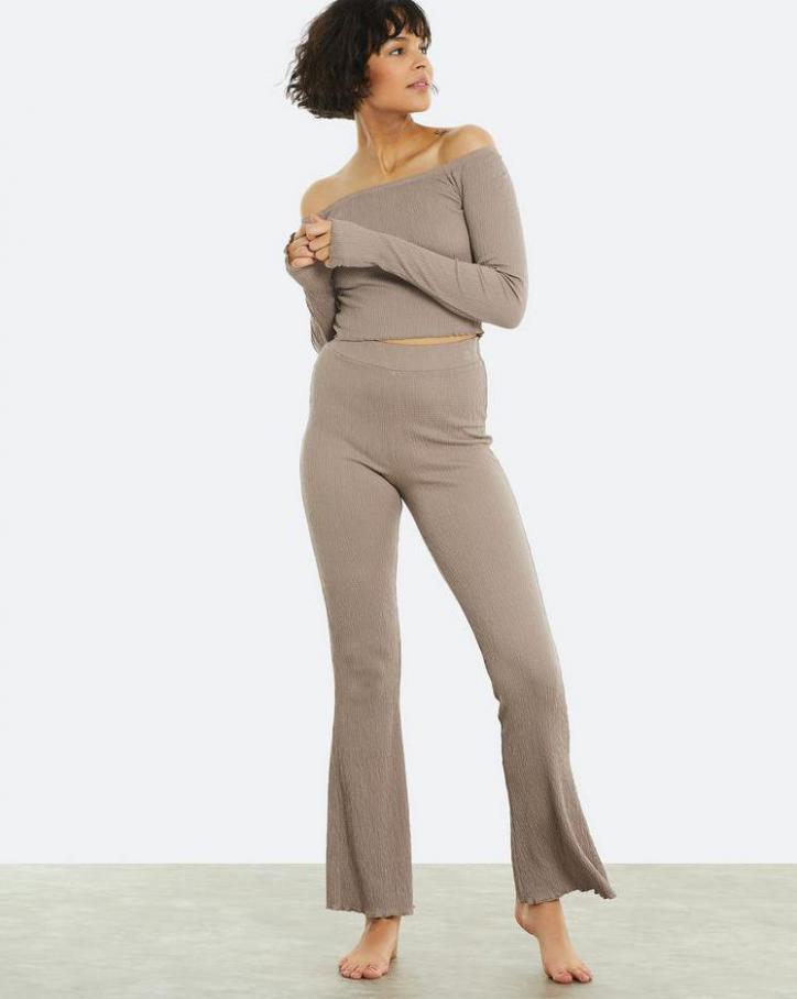 Loungewear Kollection. Page 25