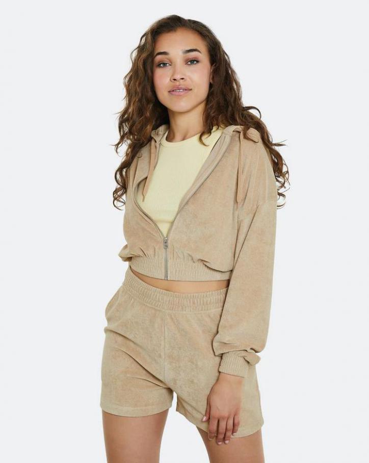 Loungewear Kollection. Page 34